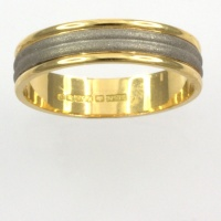 18ct gold 2 tone 3.9g Band Ring size O½